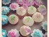 cupcakes-bleus-blanc-roses